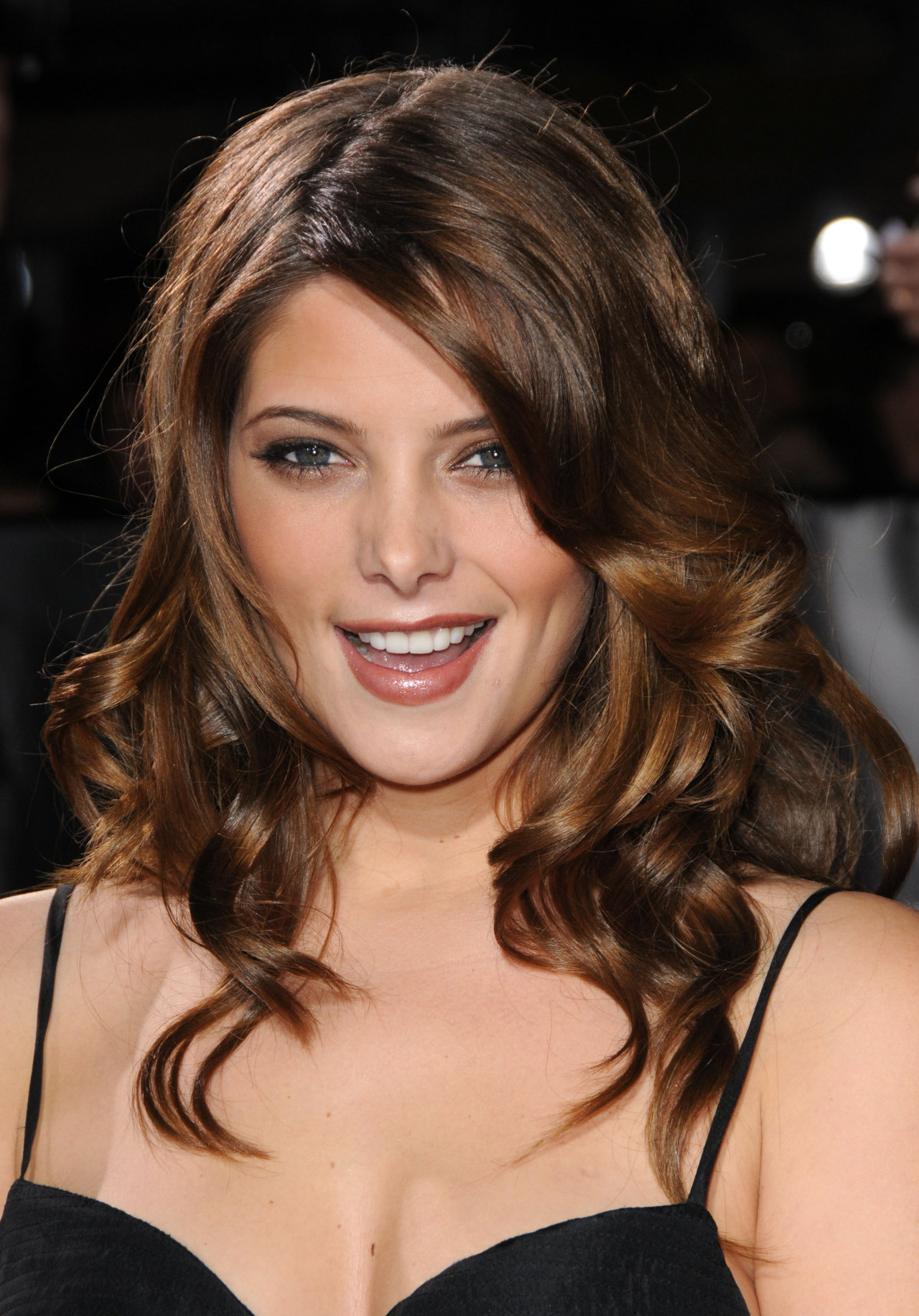http://vampiritza86.files.wordpress.com/2009/12/ashley-greene-1169533.jpg